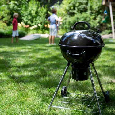 """Cuisinart 18"""" Kettle Charcoal Grill"""