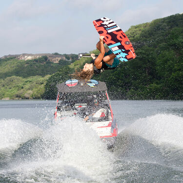 Hyperlite Murray 120 Wakeboard With Remix Bindings