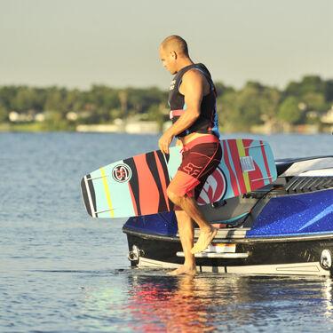 Hyperlite Murray Wakeboard With Team X CT Bindings