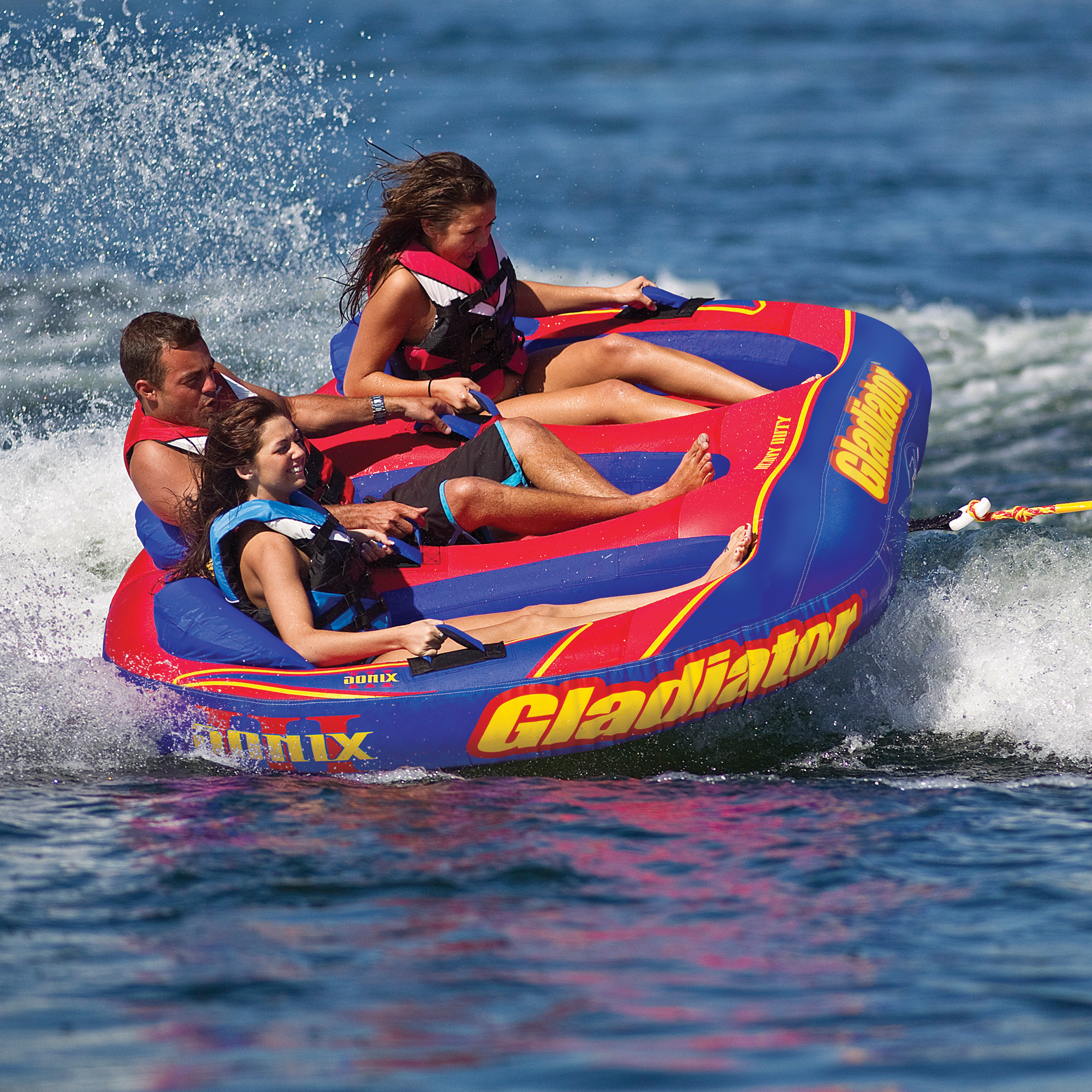 Gladiator Sonix III 3-Person Towable Tube Package